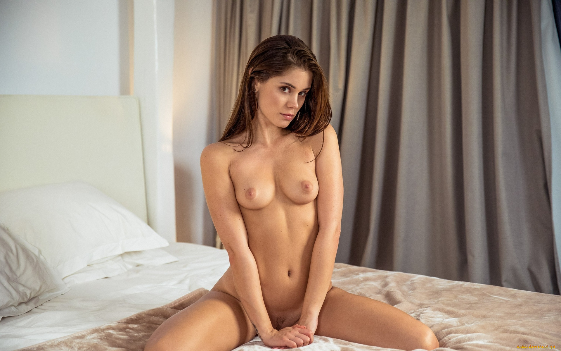 naked-little-caprice-hd-wallpapers